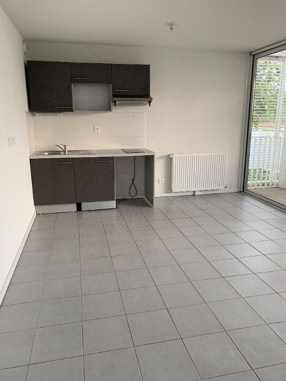 Appartement à louer 2 46.2m2 à Blagnac vignette-1