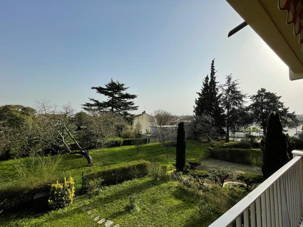 Appartement à louer 4 101.23m2 à Toulouse vignette-1