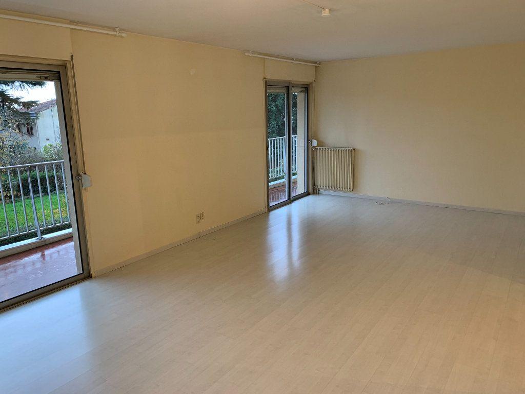 Appartement à louer 4 101.23m2 à Toulouse vignette-3