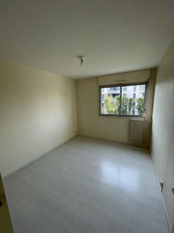 Appartement à louer 4 101.23m2 à Toulouse vignette-6