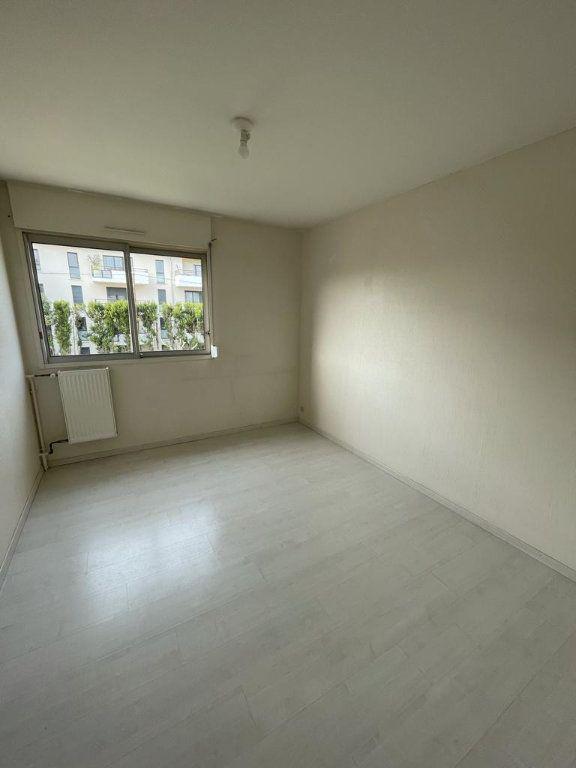 Appartement à louer 4 101.23m2 à Toulouse vignette-8