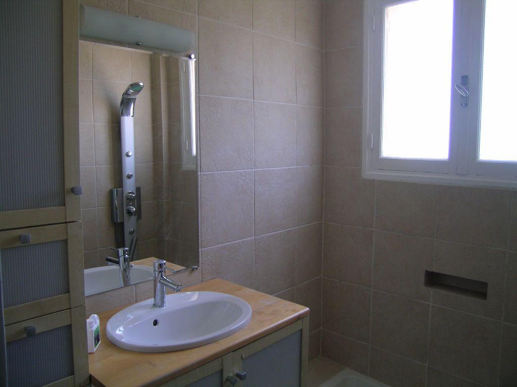 Appartement à louer 3 69.42m2 à Toulouse vignette-3