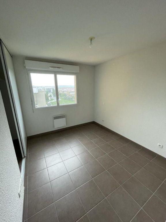 Appartement à louer 3 57.51m2 à Tournefeuille vignette-3