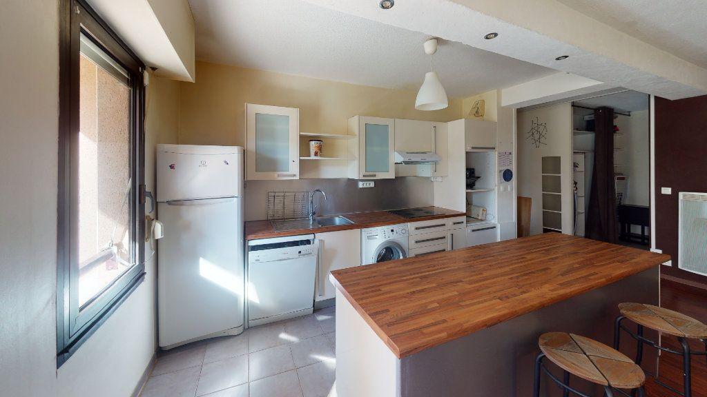 Appartement à louer 3 66.48m2 à Toulouse vignette-2