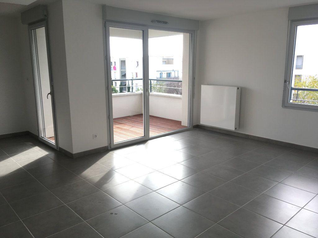 Appartement à louer 3 66.29m2 à Toulouse vignette-2