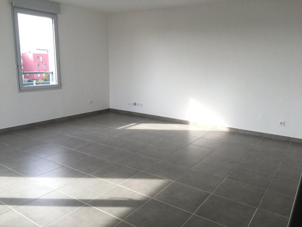 Appartement à louer 3 66.29m2 à Toulouse vignette-3