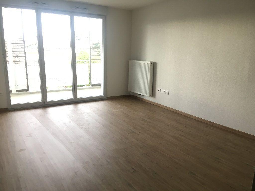 Appartement à louer 3 60.46m2 à Toulouse vignette-2