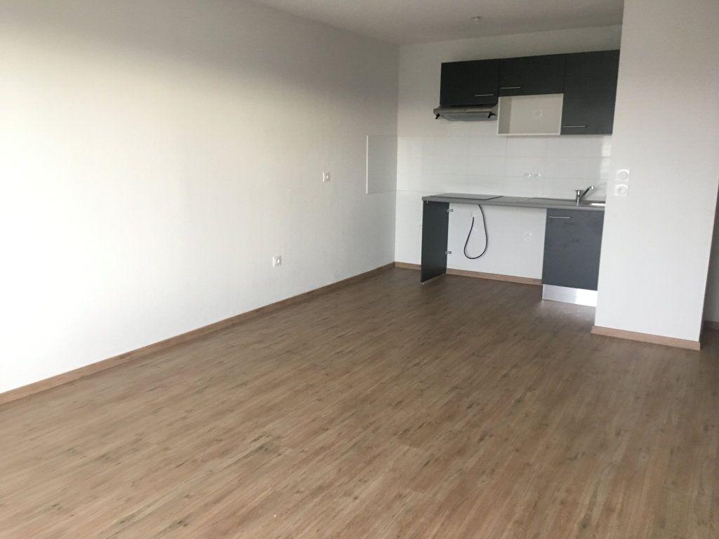 Appartement à louer 3 60.46m2 à Toulouse vignette-3