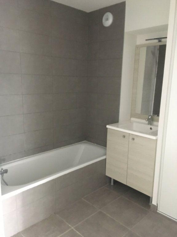 Appartement à louer 3 56.6m2 à Toulouse vignette-6