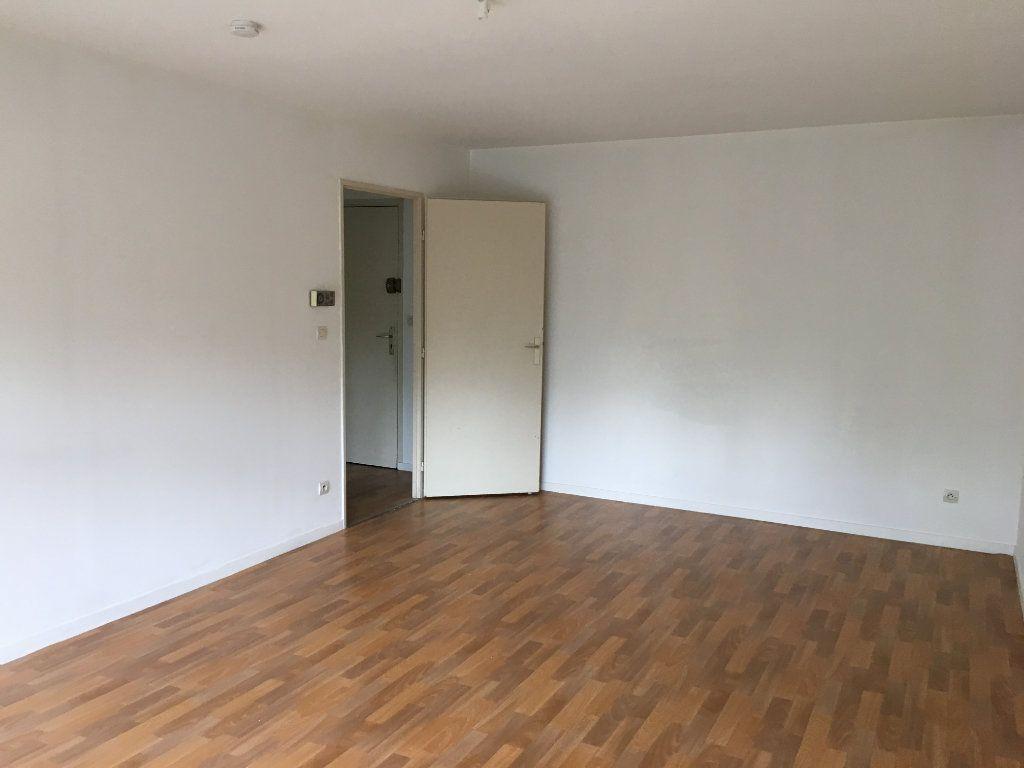 Appartement à louer 3 66.47m2 à Toulouse vignette-2