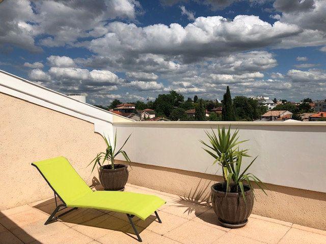 Appartement à louer 5 136.84m2 à Toulouse vignette-16