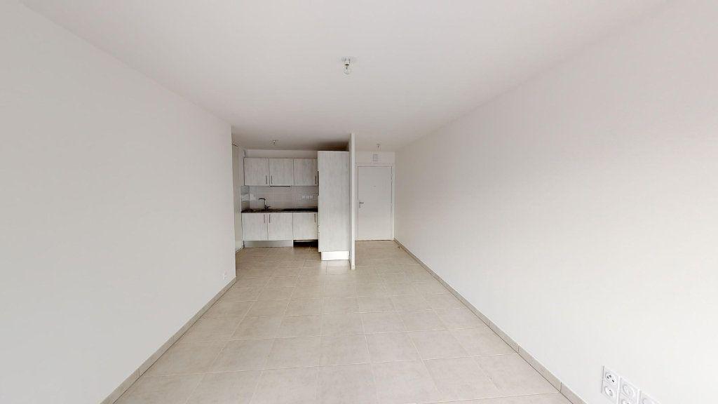 Appartement à louer 3 60.83m2 à Toulouse vignette-2
