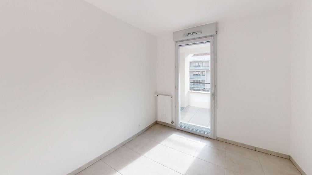 Appartement à louer 3 60.83m2 à Toulouse vignette-5