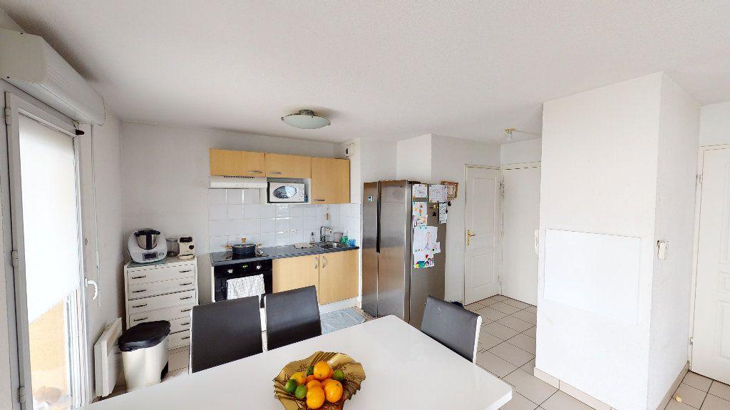 Appartement à vendre 3 64.26m2 à Toulouse vignette-2