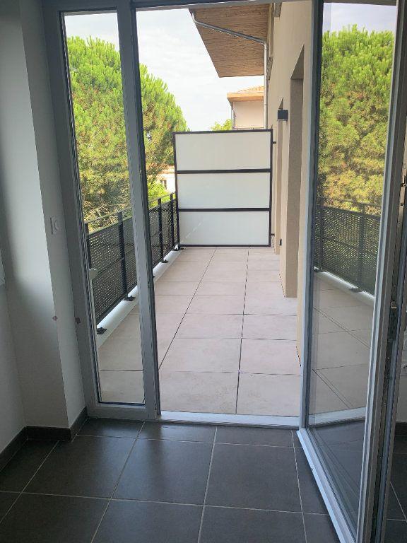 Appartement à louer 3 61.58m2 à Toulouse vignette-4