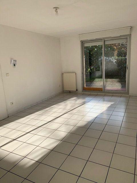 Appartement à louer 3 67.56m2 à Toulouse vignette-2