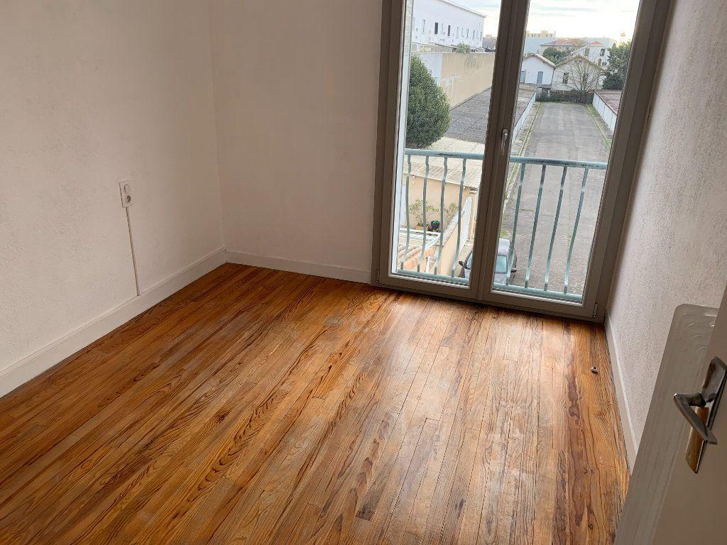 Appartement à louer 4 66.17m2 à Toulouse vignette-3