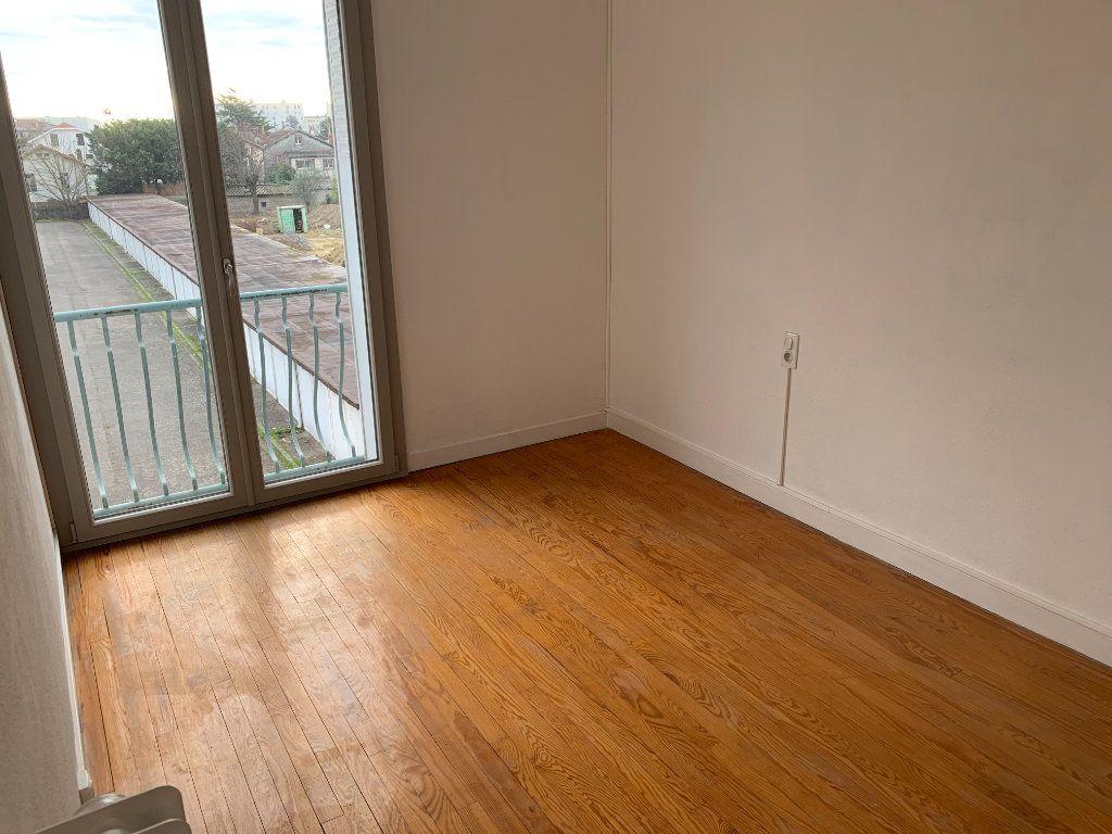 Appartement à louer 4 66.17m2 à Toulouse vignette-4