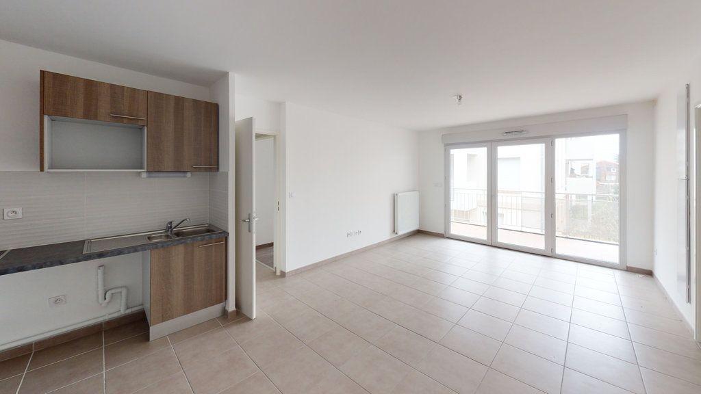 Appartement à louer 3 55.12m2 à Toulouse vignette-1