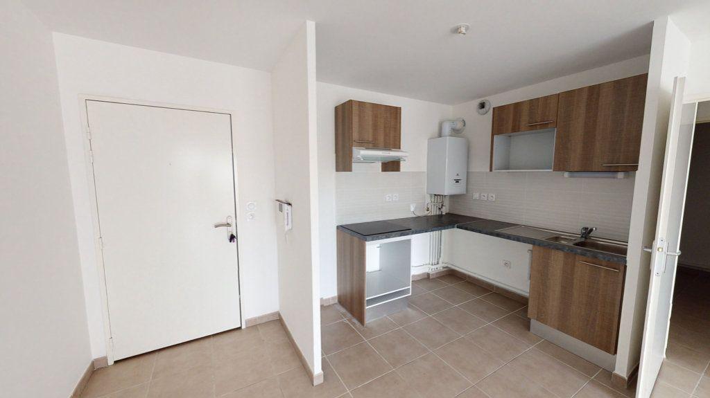 Appartement à louer 3 55.12m2 à Toulouse vignette-3