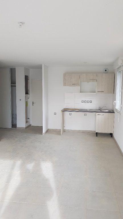 Appartement à louer 3 63.72m2 à Saint-Orens-de-Gameville vignette-2