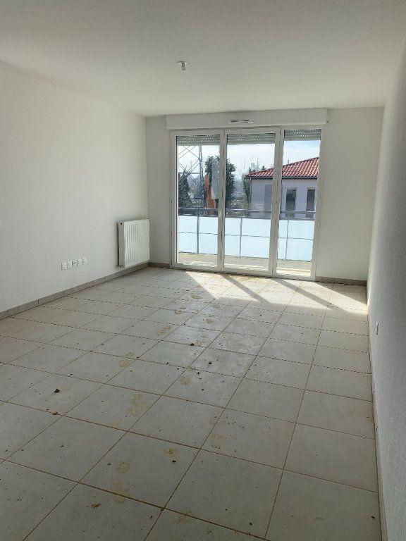 Appartement à louer 3 63.72m2 à Saint-Orens-de-Gameville vignette-3