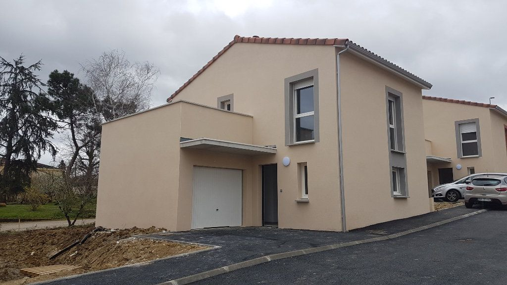 Maison à louer 4 88.58m2 à Rouffiac-Tolosan vignette-1