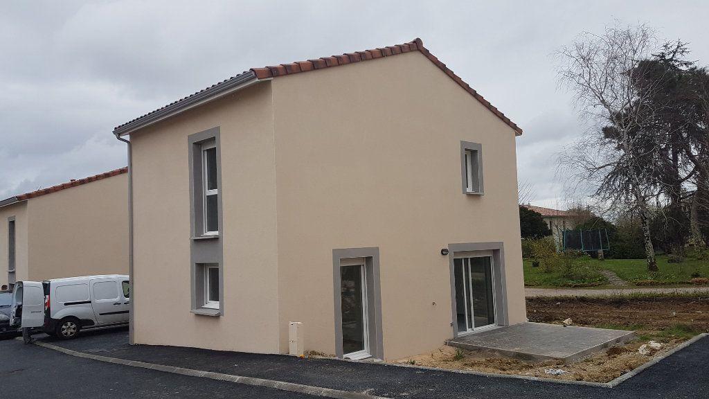 Maison à louer 4 88.58m2 à Rouffiac-Tolosan vignette-2