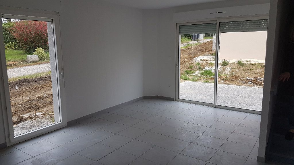 Maison à louer 4 88.58m2 à Rouffiac-Tolosan vignette-3