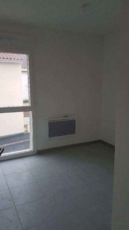 Maison à louer 4 88.58m2 à Rouffiac-Tolosan vignette-4