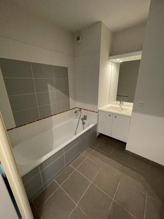 Appartement à louer 2 47.4m2 à Balma vignette-6