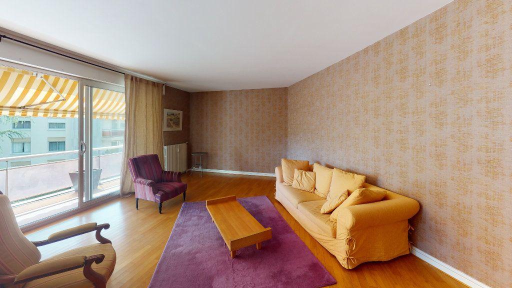 Appartement à louer 3 102.52m2 à Toulouse vignette-2