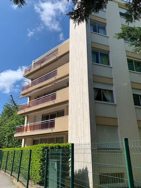 Appartement à louer 3 102.52m2 à Toulouse vignette-9
