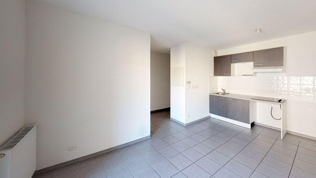 Appartement à louer 3 50.82m2 à Toulouse vignette-1