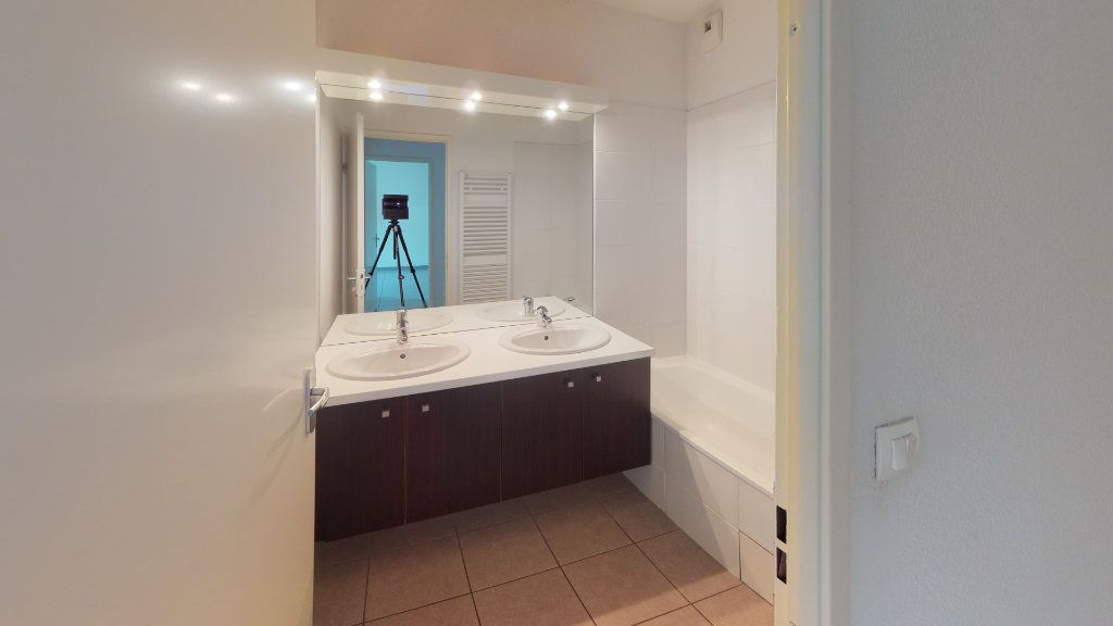 Appartement à louer 3 50.82m2 à Toulouse vignette-4