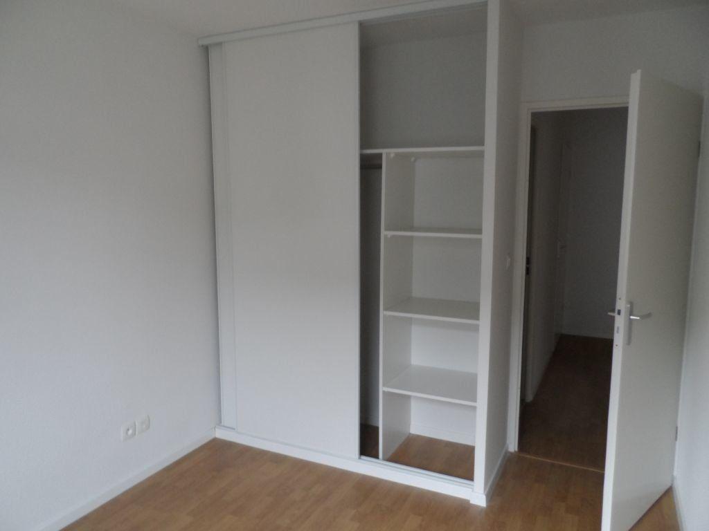 Appartement à louer 3 50.82m2 à Toulouse vignette-6