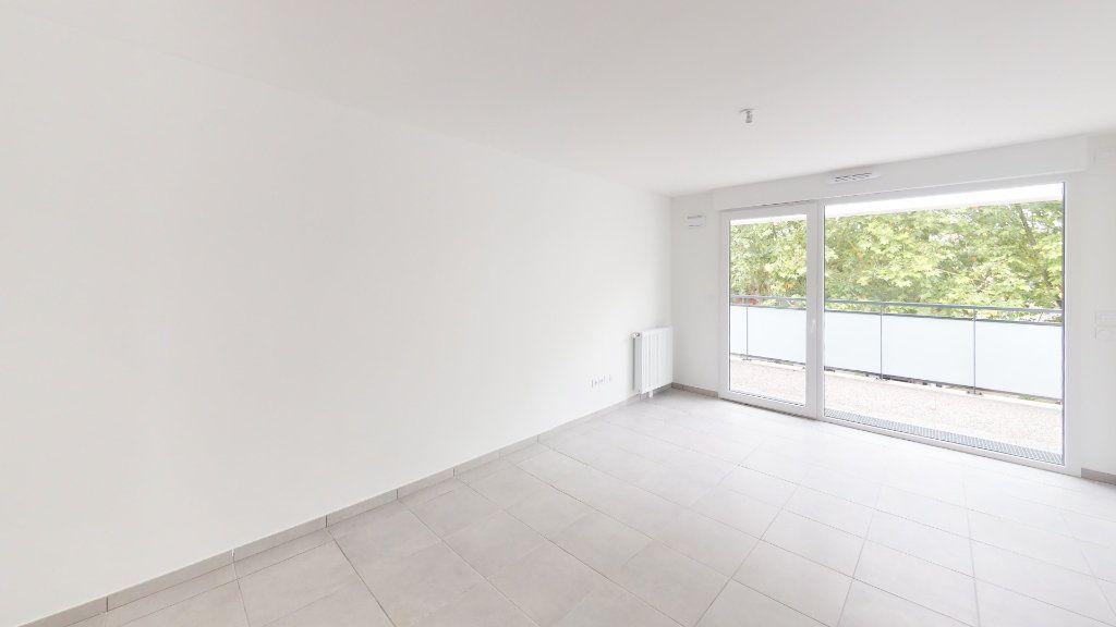 Appartement à louer 3 59.72m2 à Saint-Jory vignette-2