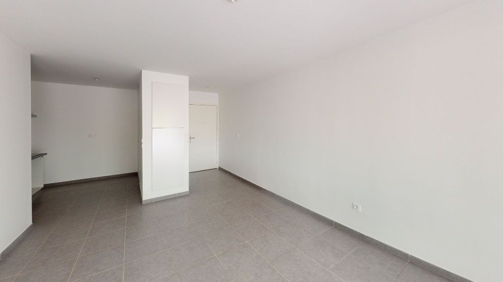 Appartement à louer 3 62.86m2 à Saint-Jory vignette-4