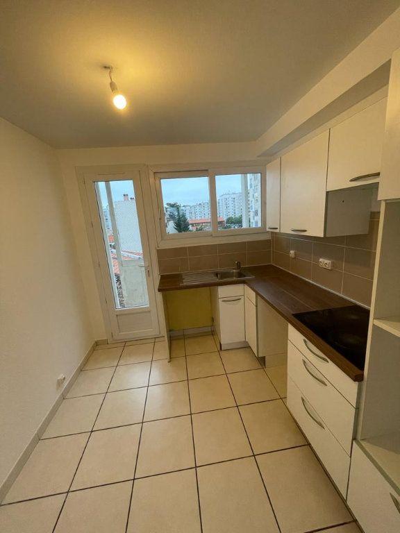 Appartement à louer 4 70.44m2 à Toulouse vignette-1