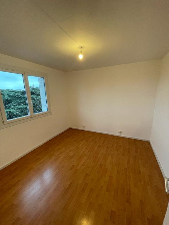 Appartement à louer 4 70.44m2 à Toulouse vignette-2