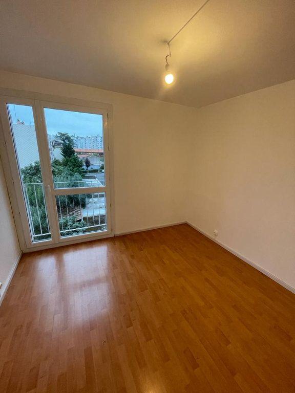 Appartement à louer 4 70.44m2 à Toulouse vignette-3