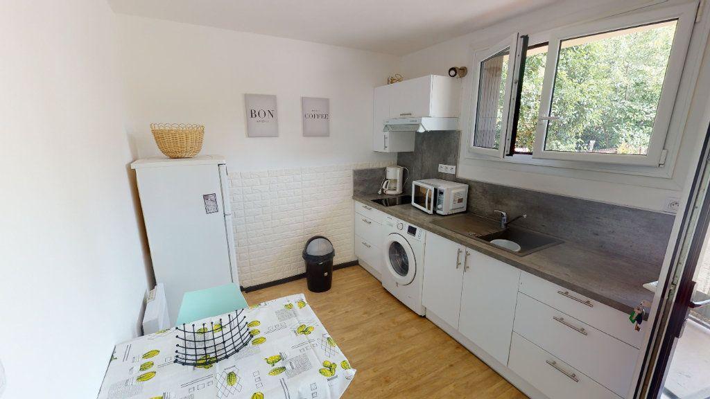 Appartement à louer 1 29.71m2 à Toulouse vignette-3