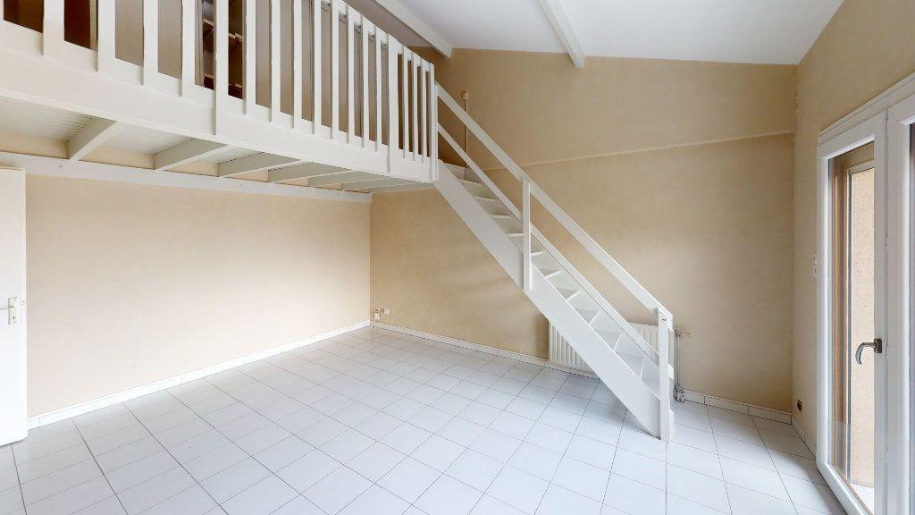 Appartement à louer 3 70.06m2 à Toulouse vignette-1