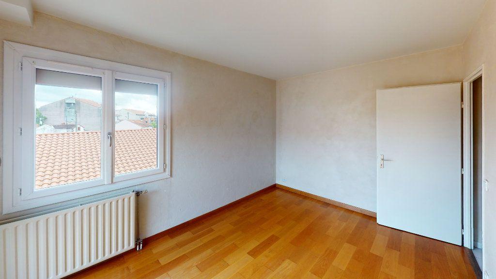 Appartement à louer 3 70.06m2 à Toulouse vignette-4