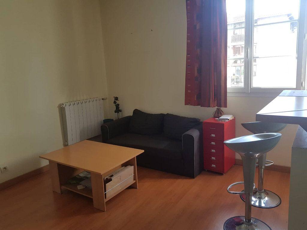 Appartement à louer 2 32.4m2 à Toulouse vignette-2