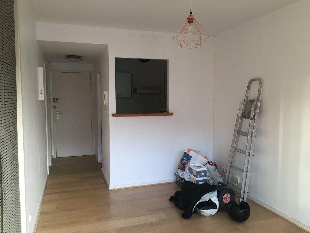 Appartement à louer 1 32.66m2 à Toulouse vignette-3