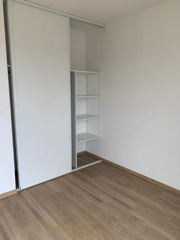 Appartement à louer 3 64.25m2 à Cornebarrieu vignette-4