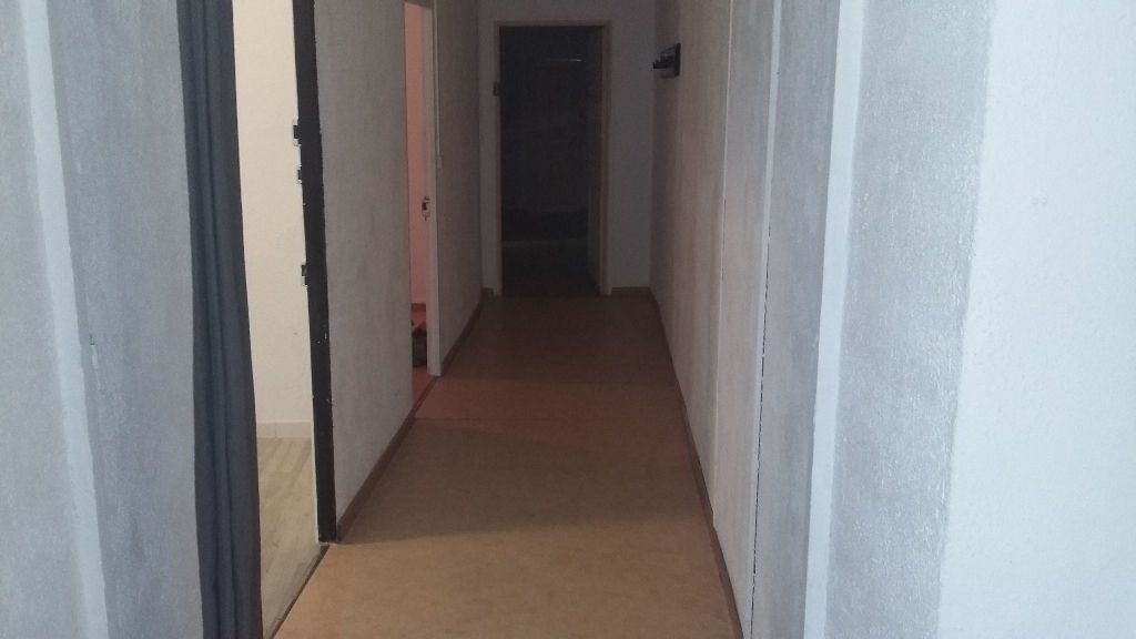 Appartement à louer 5 120m2 à Saint-Paul-Trois-Châteaux vignette-2