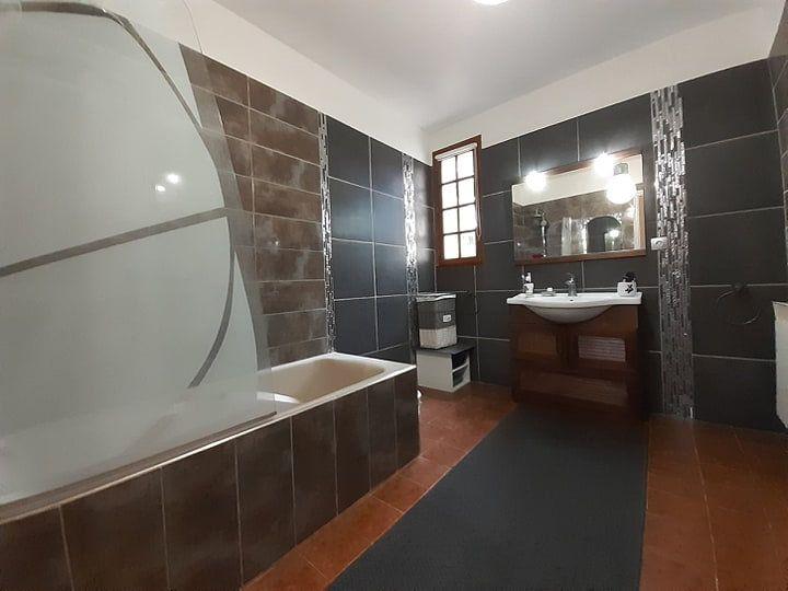 Maison à vendre 4 115.7m2 à Bollène vignette-9