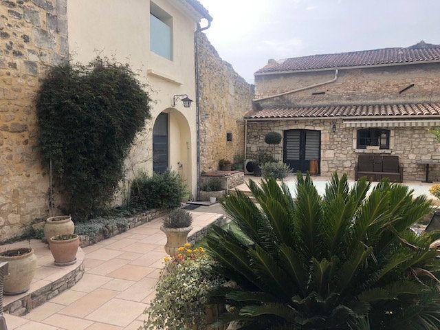Maison à vendre 9 353m2 à Saint-Paul-Trois-Châteaux vignette-2